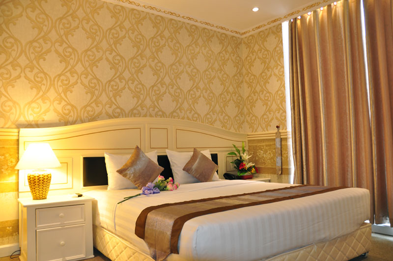 khach-san-golden-crown-phong-suite-5-hotel24h.net.jpg