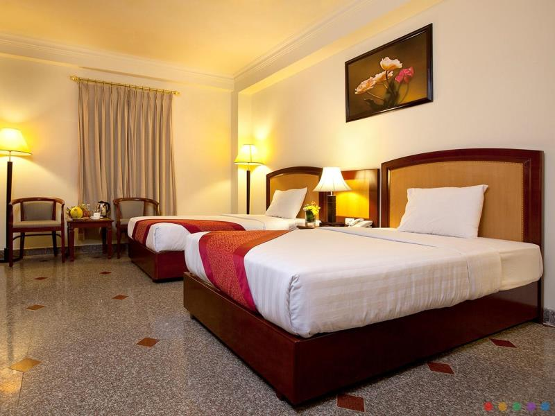 khach-san-kingston-phong-premium-superior-1-hotel24h.net.jpg